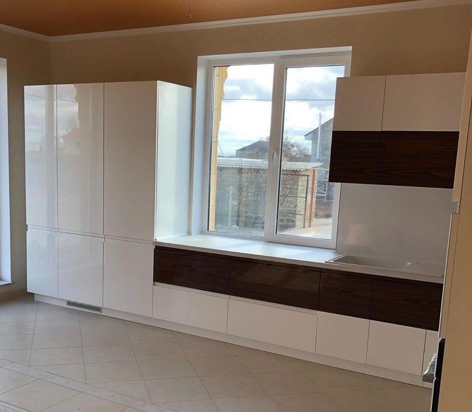 Белый кухонный гарнитур-Кухня МДФ в эмали «Модель 563»-фото4