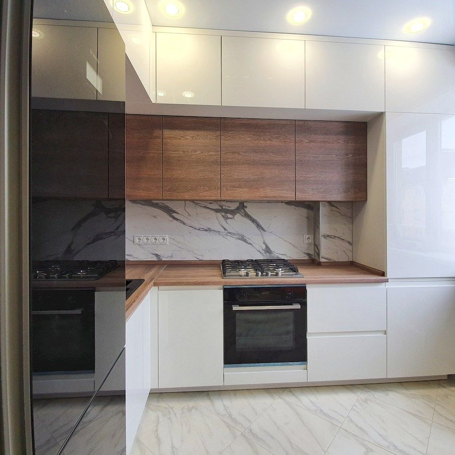 Белый кухонный гарнитур-Кухня МДФ в эмали «Модель 554»-фото3